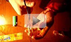 Video: Come fare un fiore di plastica da una bottiglia di acqua