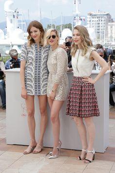 """Sigrid Bouaziz, Kristen Stewart and Nora von Waldstatten """"Personal Shopper"""" Photocall (Cannes 2016)"""