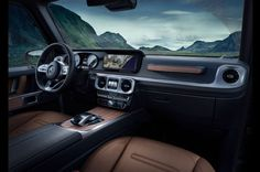 2019 Mercedes-Benz G-Class Boasts A Redesigned Interior