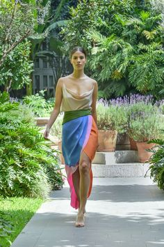 #MBFWMx #ManejaMéxico Tie Dye Skirt, Skirts, Fashion, Moda, Fashion Styles, Skirt, Fashion Illustrations, Gowns