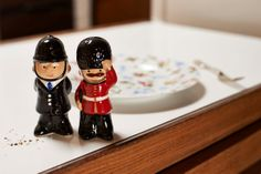 Attention! Make your dinner guests smile at the table with cheerful salt & pepper pots.