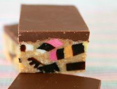 So bright, so colourful, so delicious - this really is the ultimate Licorice Allsort Slice recipe. and it's completely no-bake! Easy Baking Recipes, Tea Recipes, Sweet Recipes, Snack Recipes, Dessert Recipes, Yummy Recipes, Yummy Food, Snacks, Desserts