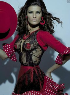 Vogue Itália Agosto 2014 | Isabeli Fontana por Steven Meisel [Editorial] - Spanish inspired fashion