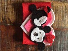 Smooching Mickey and Minnie Mug Cozy - HOME SWEET HOME