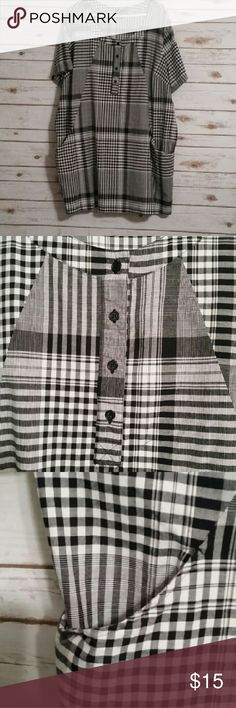"""Black and white plaid tunic size 3X Black and white plaid tunic with front pocket detail.  3X 37"""" long Ellos Tops Tunics"""