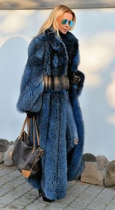 Nadire Atas on Luxury Fur Coats Long fox fur coat Fur Fashion, Winter Fashion, Womens Fashion, Runway Fashion, Fashion Trends, Fox Fur Coat, Fur Coats, Blue Fur Coat, Fabulous Furs