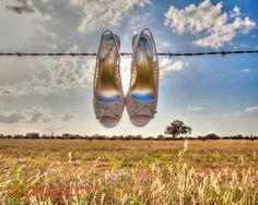 to bad im  not wearing shoes for my wedding!! :) this picture is adorable!