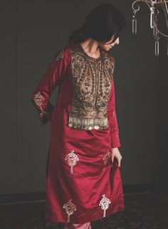 Beautiful kurti with superb tabla embellishment <br> Kurta Designs, Kurti Designs Party Wear, Pakistani Dresses Casual, Indian Dresses, Casual Dresses, Formal Dresses, Kurta Patterns, Dress Patterns, Indian Designer Outfits