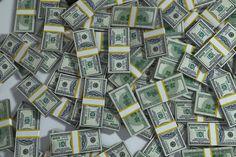 Muitos devem perguntar se existe uma forma correta de ganhar dinheiro na internet. A resposta rápida é sim. Conheça as formas que uso e indico.