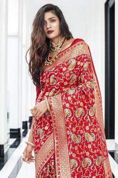South Silk Sarees, Silk Sarees With Price, Upcoming Festivals, Kanjivaram Sarees, Saree Look, Wedding Sutra, Traditional Sarees, Designer Sarees, Beautiful Saree