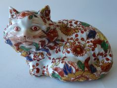Antique Japanese Imari Porcelain Cat.