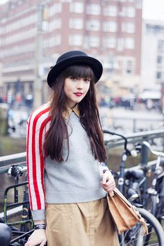 Blogger: A DASH OF FASH | stars and stripes oasap sweater, bowler hat, snakeskin vintage bag, loavies beige blouse, winter layering