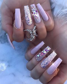 Try some of these designs and give your nails a quick makeover, gallery of unique nail art designs for any season. The best images and creative ideas for your nails. Rhinestone Nails, Bling Nails, Swag Nails, Bling Nail Art, Pink Acrylic Nails, Purple Nails, White Nails With Glitter, Chunky Glitter Nails, Pastel Nails