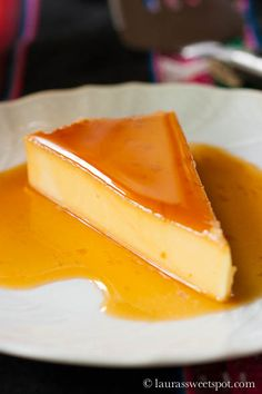 This Caramel Cheesecake Flan is a perfect no-hassle dessert to impress your guests! Sweet Desserts, Just Desserts, Sweet Recipes, Delicious Desserts, Yummy Food, Easy Recipes, Fudge Caramel, Caramel Cheesecake, Cheesecake Recipes