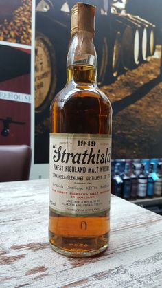 Strathisla Glenlivet distilled 1949 - 70 Proof Highland malt whisky by Gordon & Macphail