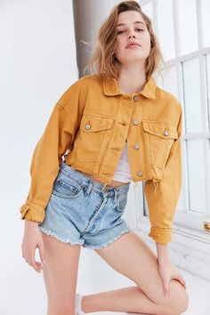 BDG Cropped Oversized Denim Trucker Jacket - Urban Outfitters