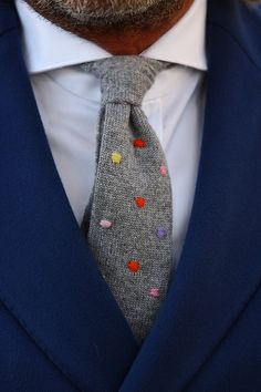 Grey wool tie with colorful polka dots Wool Tie, Knit Tie, Mode Masculine, Sharp Dressed Man, Well Dressed Men, Looks Cool, Men Looks, Classic Men, Look Formal