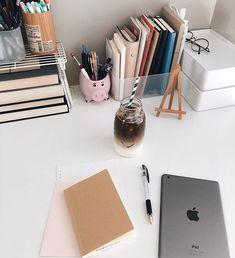 Study Desk, Study Space, Study Office, Study Room Decor, Room Setup, Study Organization, Desk Inspiration, Study Planner, Study Areas