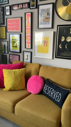 Colourful Living Room, Living Room Colors, Home Living Room, Living Room Designs, Living Room Decor, Living Room Colour Design, Grey Living Room Ideas Color Schemes, Funky Living Rooms, Colourful Lounge