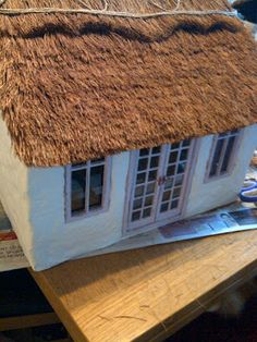 Thatch Cottage: Thatch a Mini Cottage Roof