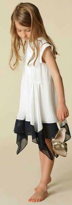 CHLOÉ Girls Mini Me White & Blue Crêpe Dress for Spring Summer 2018. Love this delightfully pretty mini me look inspired by the CHLOÉ Women's Collection.. Perfect Special Occasion Summer Party dress for a little princess at the beach or on vacation. Pretty Summer Look for a stylish kid, tween and teen girls. #CHLOE #girlsclothing #kidsfashion #fashionkids #girlsdresses #childrensclothing #girlsclothes #girlsfashion