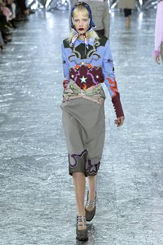 Mary Katrantzou Fall 2016 Ready-to-Wear Fashion Show  http://www.theclosetfeminist.ca/   http://www.vogue.com/fashion-shows/fall-2016-ready-to-wear/mary-katrantzou/slideshow/collection#6