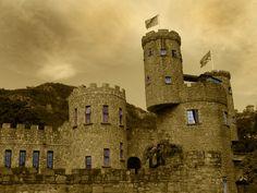 Stonehaven castle shongweni valley Pisa, Art Ideas, Castle, Tower, Building, Travel, Rook, Viajes, Computer Case