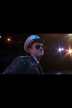 Aaron Tveit in Catch Me If You Can <3