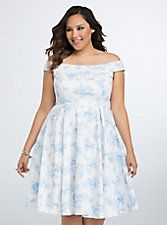 NWT torrid size 16 disney princess swing dress NWT torrid size 16 disney princess off the shoulder swing dress . Dress is true to size offers a little stretch and has ample bust room torrid Dresses Disney Princess Dresses, Disney Dresses, Disney Princesses, Disney Clothes, Pin Up Outfits, Pretty Outfits, Pretty Clothes, Pin Up Kleidung, Plus Size Disney