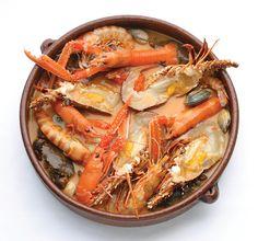 Caldereta asturiana de mariscos. Asturias-España  www.asturiasyenatural.es