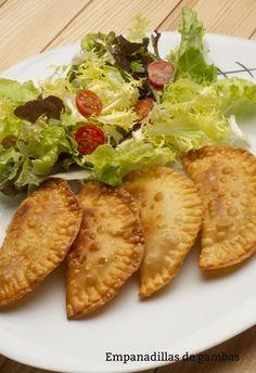 Receta de Empanadillas de gambas - Karlos Arguiñano  #recetas #empanadilla #arguiñano Canapes, Quiche, Donuts, Cabbage, Sandwiches, Menu, Pasta, Snacks, Chicken