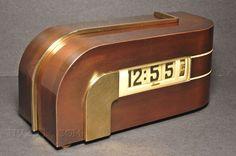 Lawson Zephyr Clock – design by Kem Weber