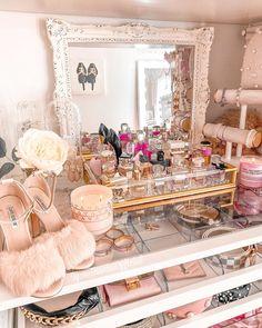Girl Bedroom Designs, Room Ideas Bedroom, Girls Bedroom, Bedroom Decor, Rich Girl Bedroom, Bedrooms, Dream Rooms, Dream Bedroom, Makeup Vanity Decor
