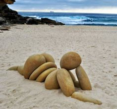 Funny pictures about Stone sculpture. Oh, and cool pics about Stone sculpture. Also, Stone sculpture. Land Art, Art Plage, Art Rupestre, Art Pierre, Rock Sculpture, Garden Sculpture, Outdoor Sculpture, Sculpture Ideas, Outdoor Art