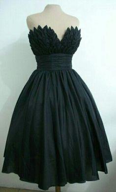 Vestido negro totalmente elegante para una noche perfecta