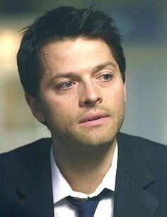 Misha Collins as Jimmy Novak on Supernatural Supernatural Pictures, Supernatural Fandom, Misha Collins, Memes Gifs, Castiel Angel, Twist And Shout, Luke Evans, Destiel, My Heart Is Breaking