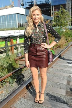 8 Chloe Grace Moretz  Spring Outfit Ideas: #6. Printed Top + Leather Skirt
