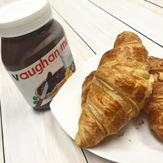 We're celebrating #WorldNutellaDay! Who's in? @aromaespressobar #tgif #vaughanmills #friday #croissant #yum