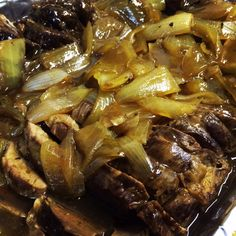Roasted beef with braised onions and red wine Jus