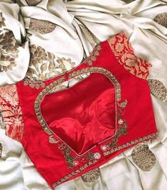 Follow @nomano_fabrics 👈👈👈 Dm for credits.. #Designersareesusa #desidesigns #designerblouse #designersaree #designerblouses #designersarees… Sari Blouse Designs, Bridal Blouse Designs, Blouse Patterns, Hand Work Blouse Design, Stylish Blouse Design, Zardosi Work Blouse, Saree Blouse, Indian Designer Wear, Clothes For Women