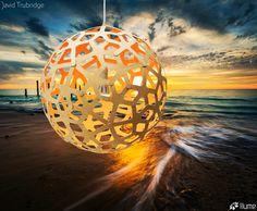 Luminária Pendente Coral Laranja.  David Trubridge, distribuído pela Mais Lume, com revendedores em todo o país. maislume@gmail.com www.maislume.com