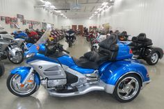 Pure luxury for me and the lady. Goldwing Trike, 2013 Honda, Bicycles, Motors, Motorcycles, Pure Products, Cars, Luxury, Cars Motorcycles