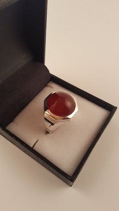 Pomegranate Red Agate (Aqeeq) Dome Shaped Silver Ring