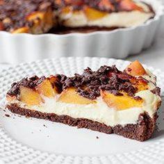 Kakaowa tarta z serem i brzoskwiniami   Blog   Kwestia Smaku
