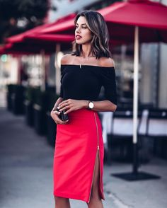As much as I love and look forward to New York fashion week, the one thing th. Skirt Fashion, Fashion Outfits, Womens Fashion, Fashion Fashion, Fashion Ideas, Fashion Design, Skirt Outfits, Dress Skirt, Skirt Ootd