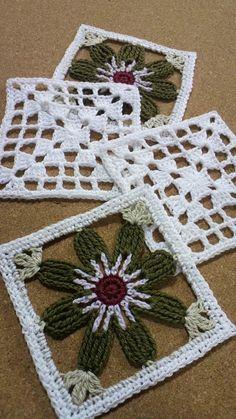 ミニキルトの会37 糸まきの画像   野の花手芸噺 Grannies Crochet, Crochet Potholders, Crochet Blocks, Crochet Squares, Love Crochet, Crochet Motif, Crochet Doilies, Crochet Flowers, Knit Crochet
