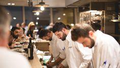 Ο Τάσος Μητσελής καταγράφει τις γευστικές εντυπώσεις του από το σύγχρονης αντίληψης steak bar στον πρώτο όροφο του Yoleni`s λίγο πριν κλείσει τους τρεις μήνες λειτουργίας του.