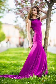Evening dress Flore (4602) by Bellezza e Lusso can be ordered in wholesale. More photos: http://lussodress.com/en/catalog/item?id=563667  #nature #new #dress #evening #bellezzaelusso #lussodress #photo #photoshoot #beauty #fashion #model #woman #girl #wedding #buy #wholesale #manufacturing #inspiration