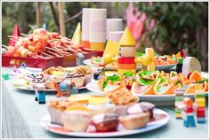 Fazer uma festa em casa é uma delícia;mas o cardápio tem que ser bem elaborado. (Já viram o post sobre como organizar uma festa infantil?) O ideal é que as […]