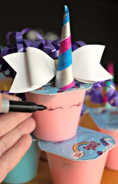 Unicorn Pudding Cups Craft - Mom Needs Chocolate Unicorn Pudding Cups Craft for a unicorn birthday Snack Pack Pudding, Pudding Cups, Amazing Chocolate Cake Recipe, Best Chocolate Cake, Unicorn Birthday Parties, Unicorn Party, Homemade White Cakes, Fun Party Themes, Party Ideas